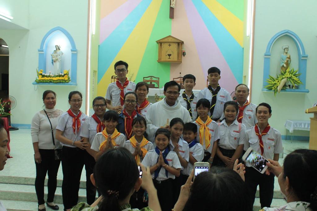 Các em Thiếu Nhi Thánh Thể Giáo xứ Phan Rang
